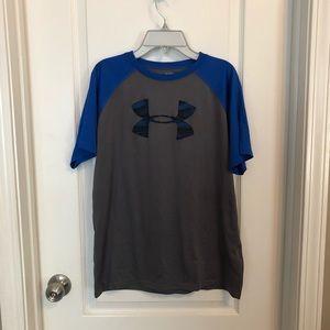Under Armour Shirts & Tops - Boys Under Armour heat gear shirt